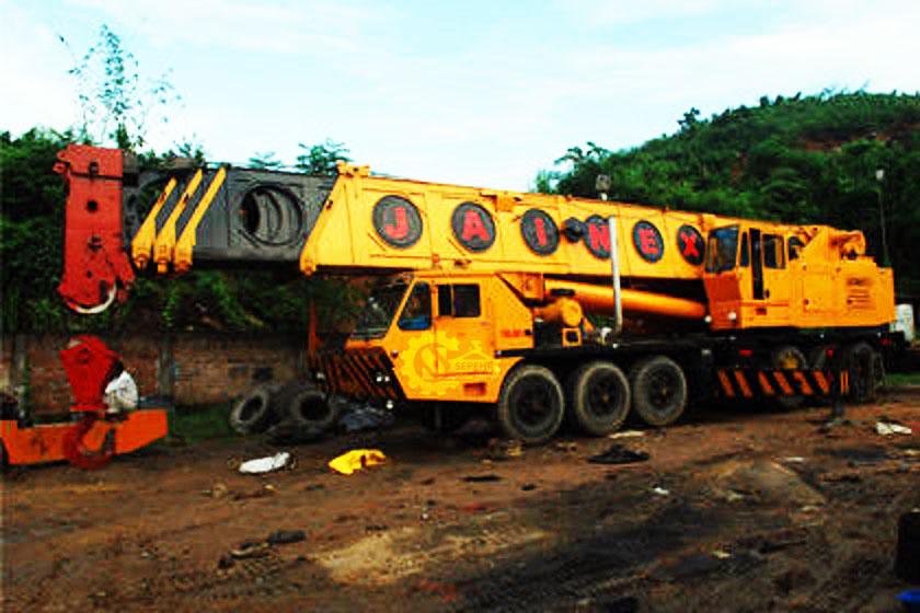 جرثقیل ۱۵۰ تن گرو – Crane Grove TM 1500
