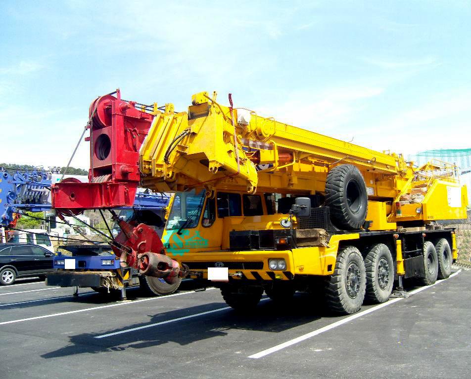 جرثقیل ۱۰۰ تن کاتو – crane kato nk1000